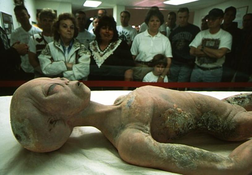 """Jeden z pracowników """"Strefy 51"""" zdradził, że na własne oczy widział ciała istot pozaziemskich /East News"""