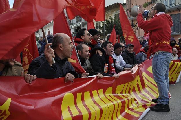 Jeden z protestów FIOM przeciw Fiatowi /AFP