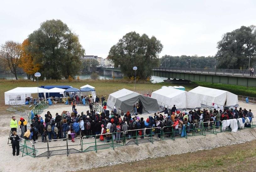 Jeden z punktów rejestracyjnych dla migrantów w Niemczech /AFP