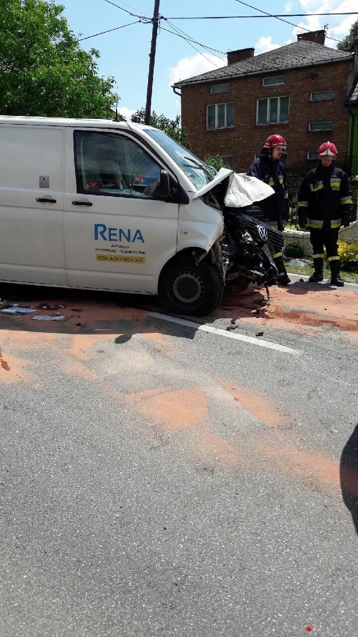 Jeden z samochodów, który uczestniczył w wypadku /Gorąca Linia RMF FM /Gorąca Linia RMF FM