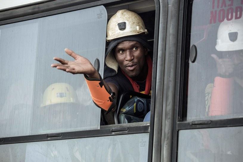 Jeden z uratowanych górników z  kopalni Beatrix /GIANLUIGI GUERCIA /AFP