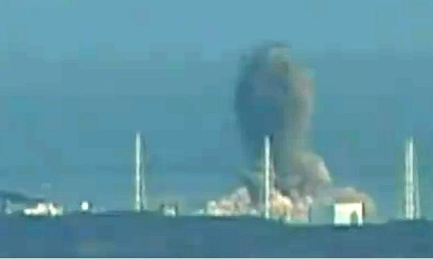 Jeden z wybuchów w elektrowni Fukushima I /AFP