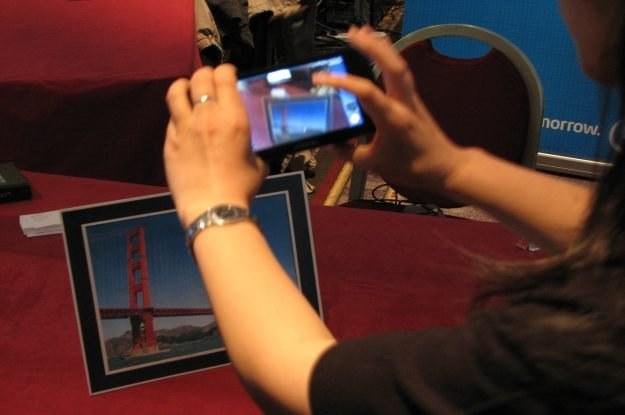 Jeden z wynalazków Intela zaprezentowanych w  Brukseli /INTERIA.PL