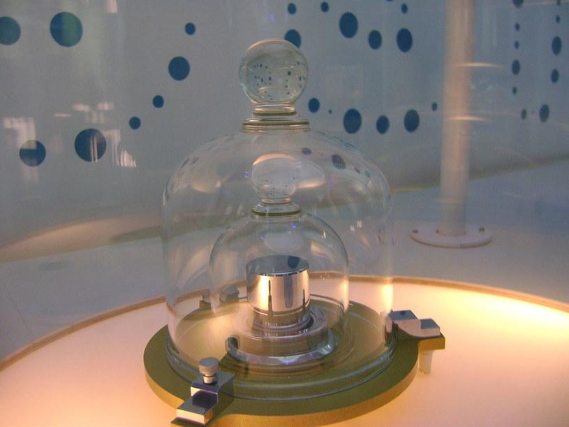 Jeden z wzorców kilograma /Wikipedia