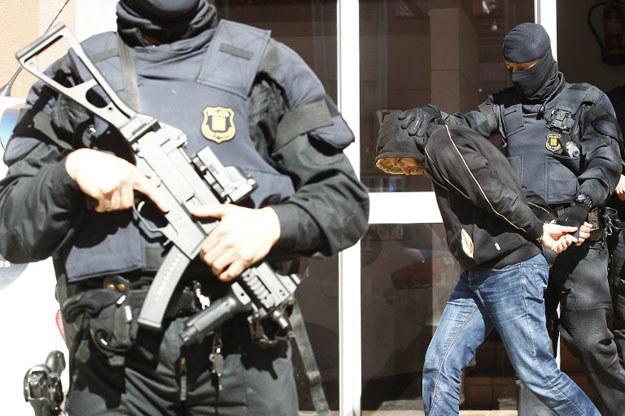 Jeden z zatrzymanych przez katalońską policję fot. Quique Garcia /AFP