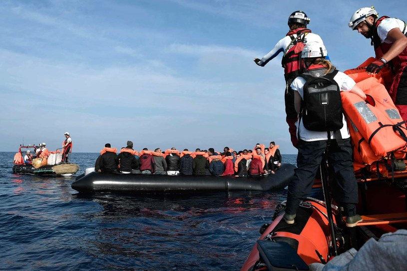 Jedna z akcji ratunkowych prowadzonych przez członków organizacji SOS Mediterranee, zdjęcie ilustracyjne /AFP