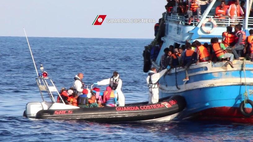 Jedna z akcji ratunkowych Włoskiej Straży Przybrzeżnej /AFP