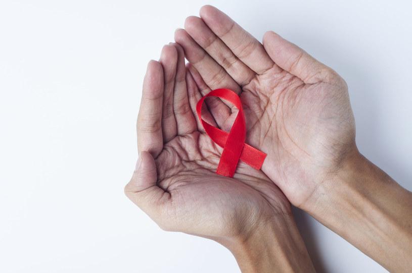 Jedną z chorób przenoszonych droga płciową jest HIV /123RF/PICSEL