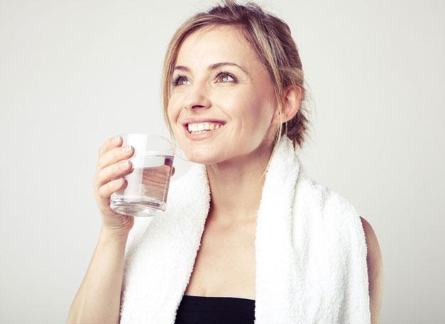 Jedną z form terapii jest picie ozonowanej wody /© Panthermedia