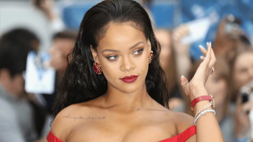 Jedną z głównych ról w filmei gra piosenkarka Rihanna. Barbadoska piękność znów zostanie zmieszana za swoją kreację z błotem? /materiały prasowe