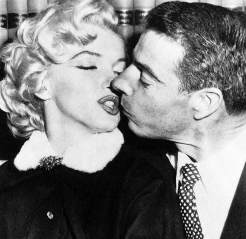 Jedna z najsłynniejszych gwiazd Hollywood używała do malowania ust aż pięciu różnych kosmetyków /Assosiated Press /East News