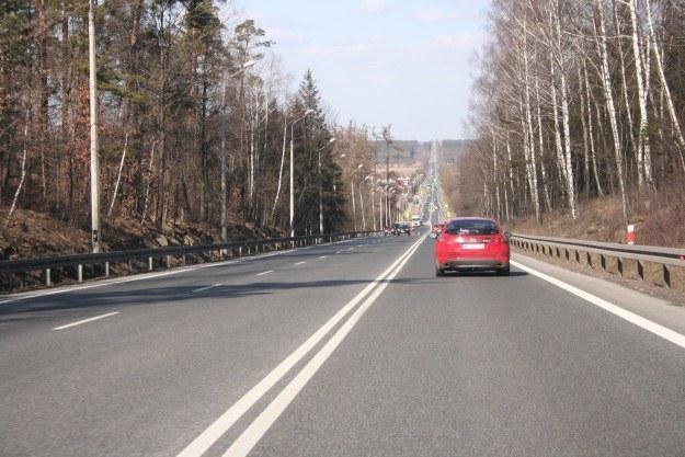 Jedna z nielicznych polskich dróg 2+1 /INTERIA.PL