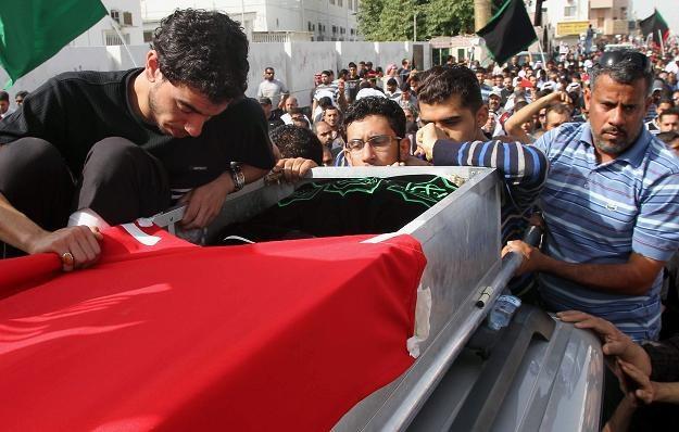 Jedna z ofiar pacyfikacji demonstrantów /AFP