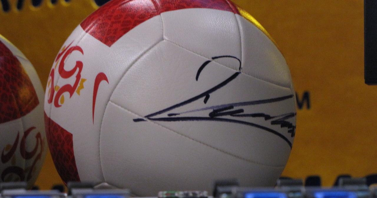 Jedna z piłek podpisanych przez Lewandowskiego może być Wasza