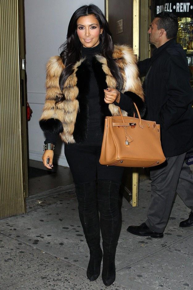 Jedną z posiadaczek torby Birkin jest amerykańska celebrytka Kim Kardashian / BuzzFoto    /PAP/EPA