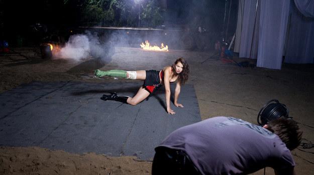 """Jedna z przyszłych modelek wcieliła się w piękną Cherry z filmu """"Grindhouse: Planet Terror"""" /TVN"""