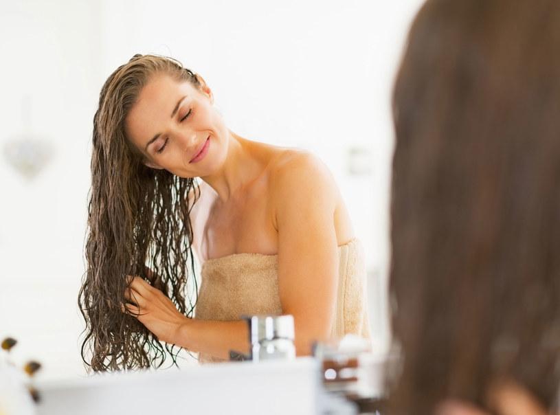 Jedna z roślin, które zregenerują włosy jest mydlnica lekarska dostępna w aptece /Picsel
