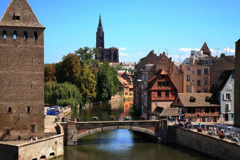 Jedna z wizytówek Srasburga - Kryte Mosty /123RF/PICSEL