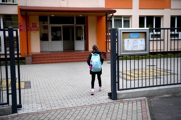 Jedna ze szkół podstawowych w Rzeszowie /Darek Delmanowicz /PAP
