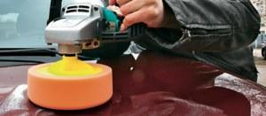 Jedno głębokie polerowanie mechaniczne lakieru zbiera warstwę 3-5 μm. /Motor
