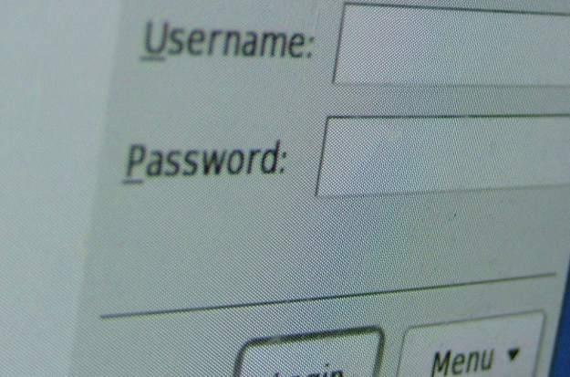 Jedno hasło do wielu usług to ułatwianie zadania cyberprzestępcom fot. Joshua Davis /stock.xchng