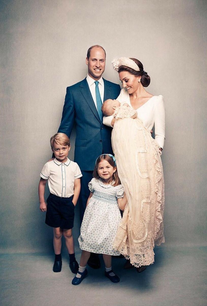 Jedno z oficjalnych zdjęć z chrztu księcia Louisa /Matt Holyoak / Instagram / BEEM/ /East News