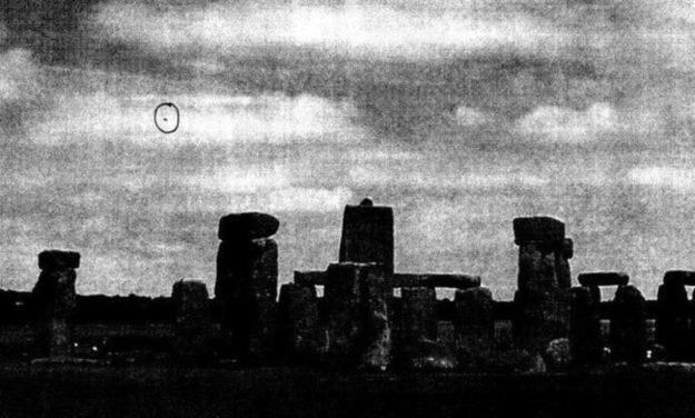 """Jedno z ostatnich doniesień rozpatrywanych przez """"Brytyjskie Archiwum X"""": UFO nad Stonehenge. Co ciekawe, nikt nie miał czasu dokładnie sprawdzić tej sprawy - fot. British National Archives /materiały prasowe"""