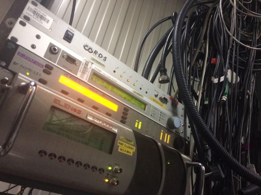 Jedno z urządzeń odpowiadające za emisję sygnału RMF Classic. /Adam Górczewski /RMF FM