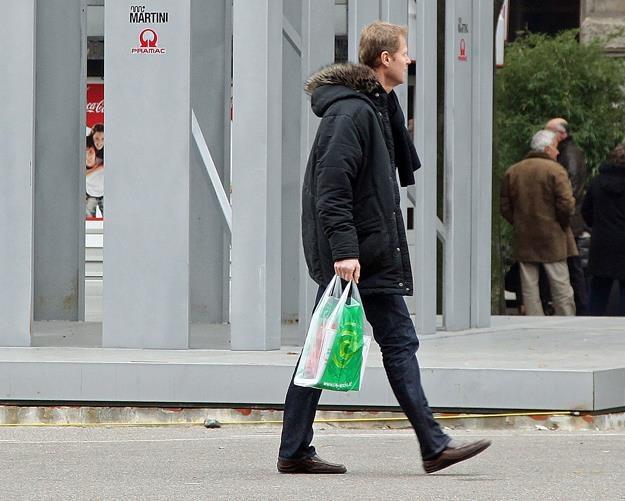 Jednorazowej torby za darmo już nie dostaniesz. Fot. Vittorio Zunino Celotto /Getty Images/Flash Press Media