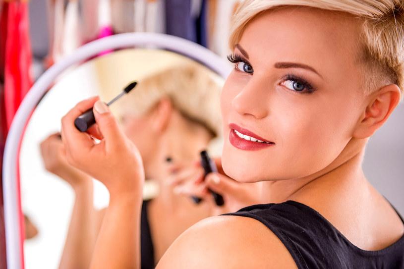 """Jednym z silnych trendów jest make up """"no make up"""", czyli delikatny makijaż, sprawiający wrażenie, jakby go nie było /123RF/PICSEL"""