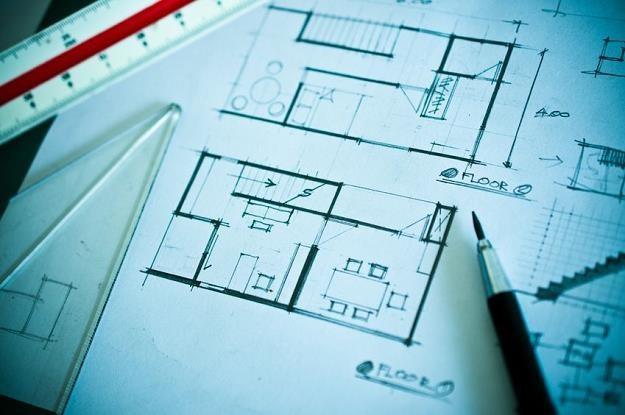 Jednym z ważniejszych kroków na drodze do wymarzonego domu jest wybór odpowiedniego projektu /©123RF/PICSEL
