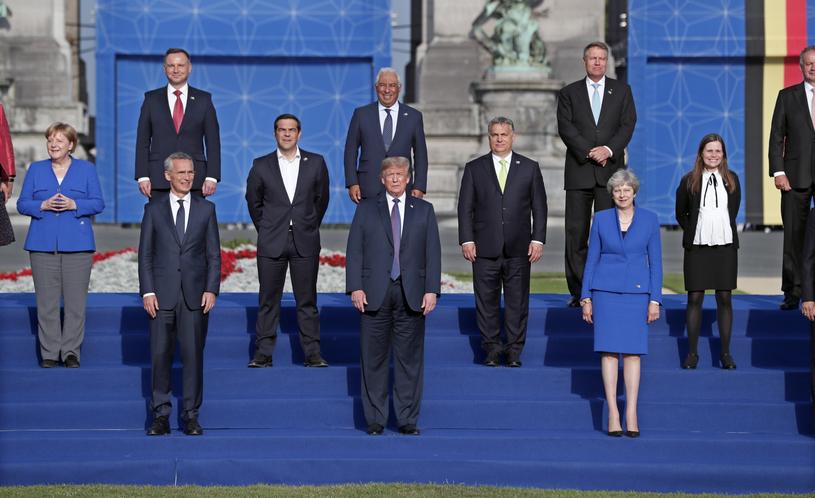 Jednymi z najważniejszych tematów dwudniowego szczytu są wydatki obronne i walka z terroryzmem /IAN LANGSDON /PAP/EPA
