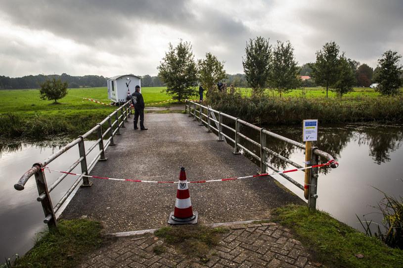 Jedyna droga na farmę prowadzi przez most, na który Joseph B. miał pilne baczenie. Wyganiał każdego, kto zbliżył się do jego domu /Wilbert Bijzitter/HOLLANDSE HOOGTE/East News /East News