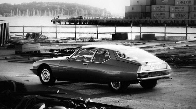 Jedyny szybki samochód nadający się zarówno na drogi o gładkości bilardowego stołu i leśne dróżki. /Citroen