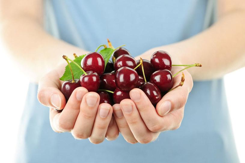 Jedynym ograniczeniem tej diety jest wielkośc twojej dłoni /123RF/PICSEL