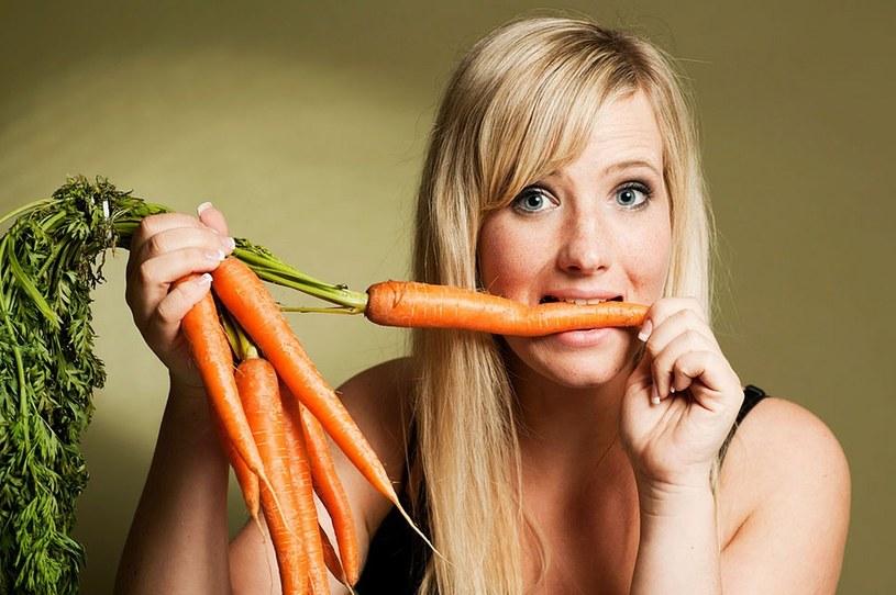 jedz marchewkę /© Photogenica