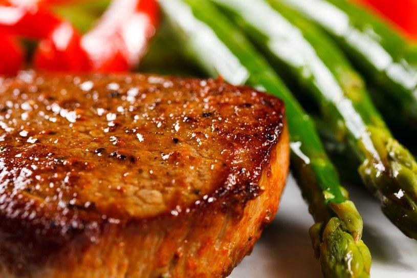 Jedz mięso, będziesz mniej agresywny! /123RF/PICSEL
