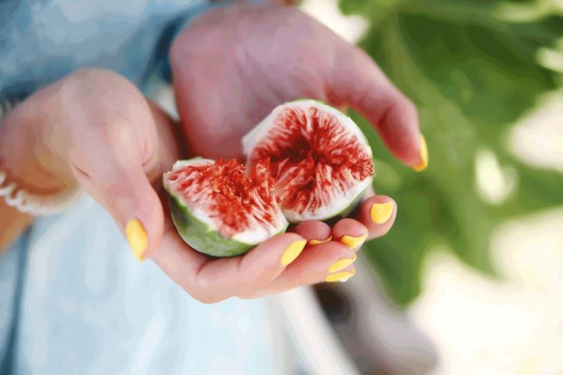 Jedz truskawki, figi i galaretki /123RF/PICSEL