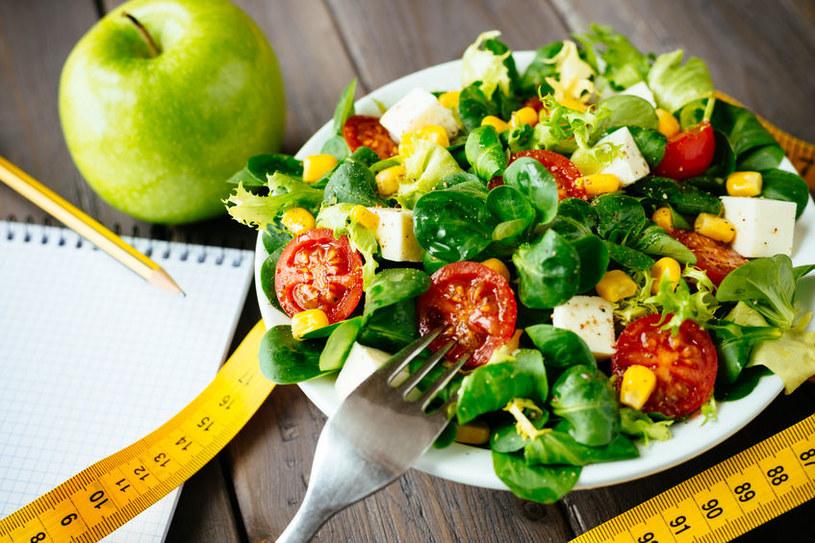 Jedz warzywa i owoce, a schudniesz /©123RF/PICSEL
