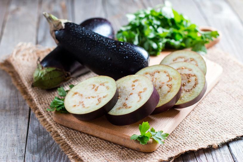 Jedzenie bakłażanów oraz cukinii jest szczególnie zalecane w diecie DASH /123RF/PICSEL