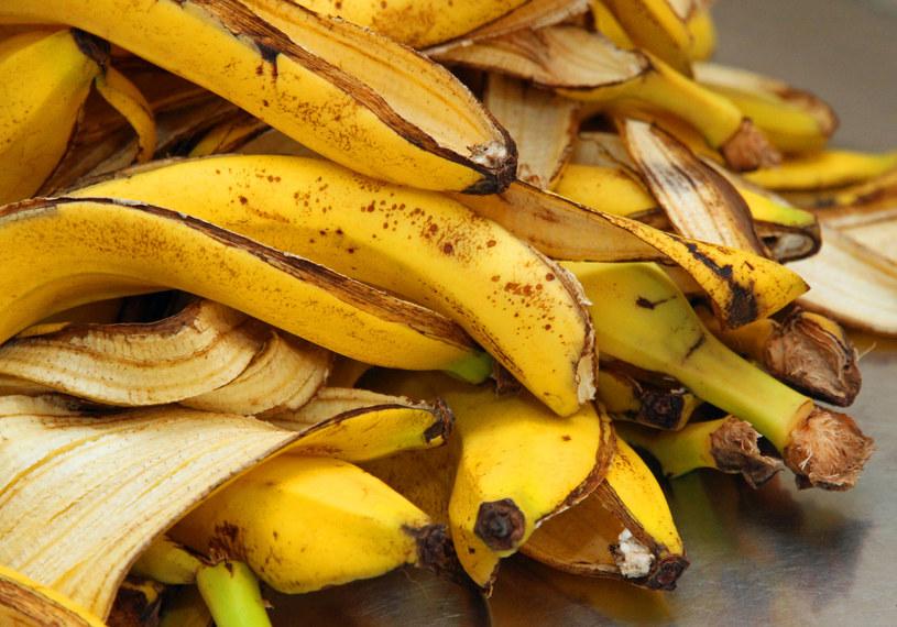 Jedzenie skórki banana ma zaskakujące korzyści zdrowotne /123RF/PICSEL