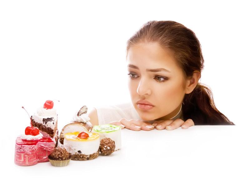 jedzenie słodyczy /© Photogenica