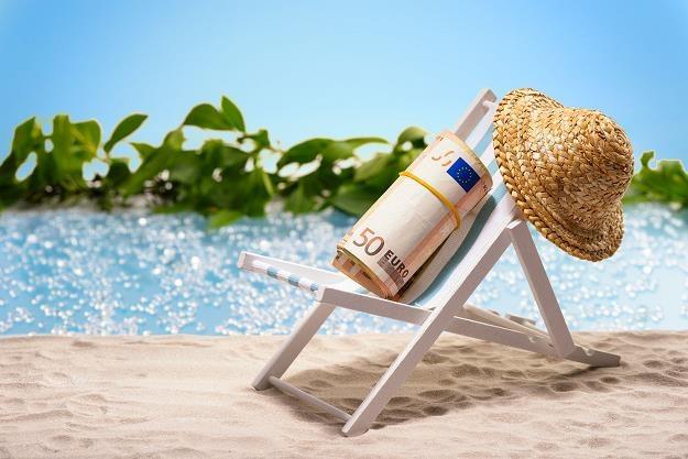 Jedziesz na wakacje za granicę - uważaj... /©123RF/PICSEL
