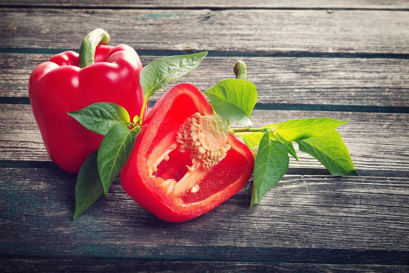 Jedzona regularnie zmniejsza ryzyko wielu choroby. /123RF/PICSEL
