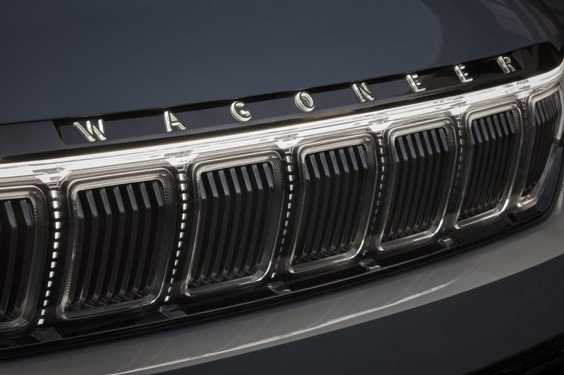 Jeep Grand Wagoneer /