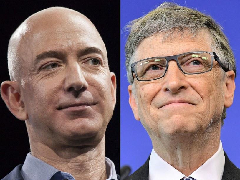 Jeff Bezos (L) i Bill Gates /David Ryder & Emmanuel Dunand /AFP