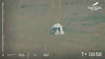 Jeff Bezos powrócił już na Ziemię. Tak wyglądało lądowanie kapsuły Blue Origin