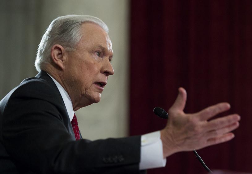 Jeff Sessions podporządkuje się woli prezydenta Donalda Trumpa? /AFP