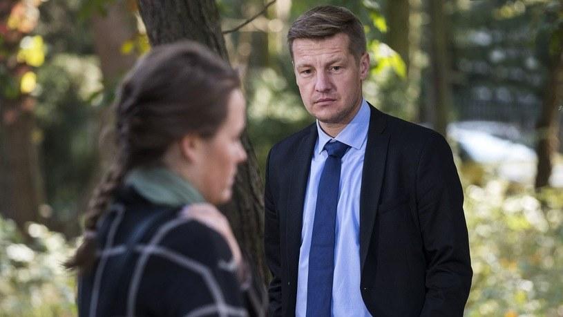 """Jego bohater w """"M jak miłość"""" nie ma szczęścia do kobiet /www.mjakmilosc.tvp.pl /materiały prasowe"""