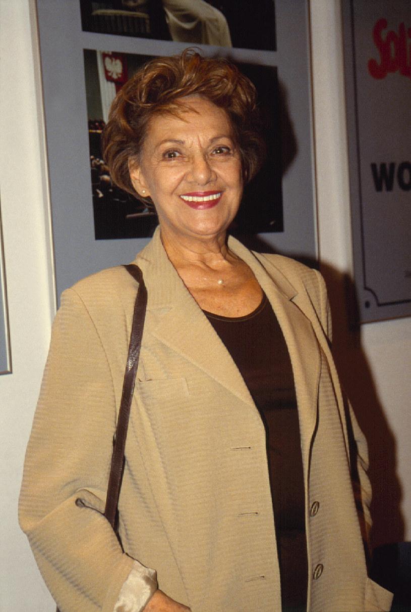 """Jej nazwisko znalazło się na opublikowanej w 2006 roku liście dziennikarzy, którzy współpracowali z służbami PRL w latach 1958-1966. Miała nosić pseudonim """"Marlena"""". Sąd orzekł, że nie ma dowodów na to, że dziennikarka współpracowała z SB /Prończyk /AKPA"""